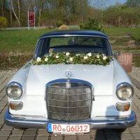 Autodekoration für Hochzeit